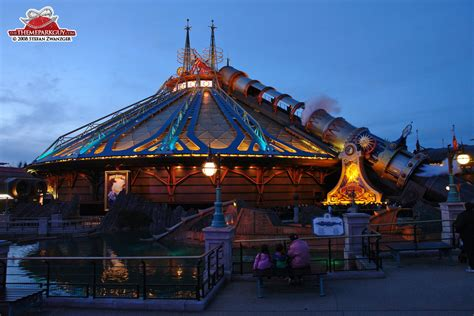 Disneyland Paris - photographed, reviewed and rated by The