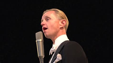 Max Raabe & Palast Orchester - Singing In The Rain - YouTube
