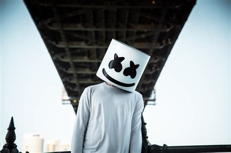 Marshmello's Girlfriend Posts Unmasked Picture of Him on