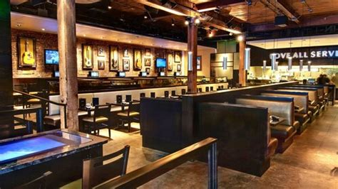 Dining at Hard Rock Cafe Seattle with Priority Seating